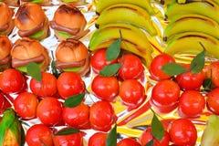 五颜六色的意大利曲奇饼背景 免版税库存图片