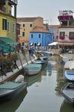 五颜六色的意大利村庄 库存照片