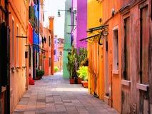 五颜六色的意大利街道 库存照片