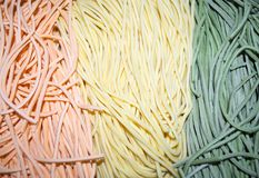 五颜六色的意大利面团tagliatelle 库存照片