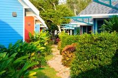 五颜六色的房子和庭院 库存图片