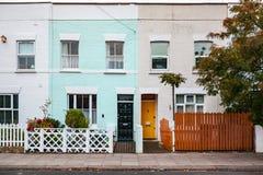 五颜六色的房子在伦敦 免版税库存照片