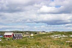 五颜六色的房子在哈利法克斯,新斯科舍,加拿大附近的佩吉的小海湾 图库摄影