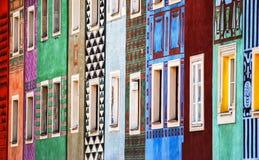 五颜六色的房子在波兹南 免版税库存图片