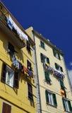 五颜六色的房子在里奥马焦雷 图库摄影