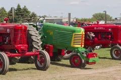 五颜六色的拖拉机 库存照片