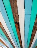 五颜六色的搭乘木头 免版税库存图片