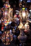五颜六色的摩洛哥闪亮指示在晚上 免版税库存照片