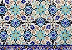 五颜六色的摩洛哥马赛克墙壁作为好的背景 免版税库存图片