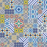从五颜六色的摩洛哥,葡萄牙瓦片, Azulejo,装饰品的兆华美的无缝的补缀品样式 图库摄影
