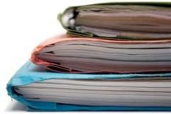 五颜六色的文件夹端被堆积的视图 图库摄影