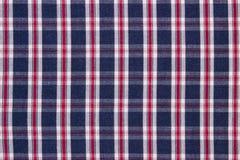 五颜六色的方格的衬衣当背景纹理 免版税库存照片