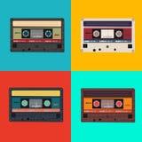 五颜六色的无线电卡式磁带的现实例证 免版税库存照片