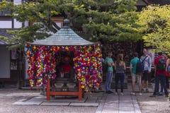 五颜六色的日本寺庙显示 免版税库存照片