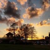 五颜六色的日落冬天 免版税库存照片