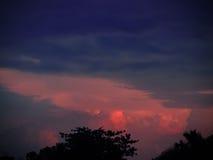 五颜六色的日落天空 库存图片