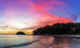 五颜六色的日落晚上 免版税库存照片