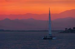 五颜六色的日落 剧烈和大气风景 肋前缘Brava 免版税库存照片