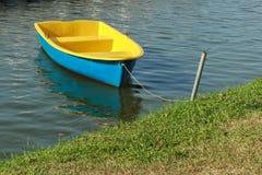 五颜六色的明轮船 免版税库存图片