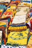五颜六色的普罗旺斯桌布 免版税库存图片