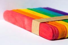 五颜六色的木冰淇凌棍子 图库摄影