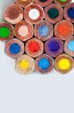五颜六色的木铅笔宏指令视图 图库摄影