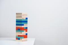 五颜六色的木头编结比赛 图库摄影