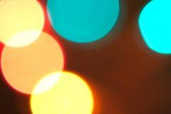 五颜六色的未聚焦的圣诞灯 库存照片