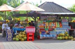 五颜六色的杂货店在印度尼西亚 库存照片