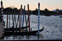 五颜六色的杆在水中 库存图片