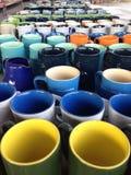 五颜六色的杯子 免版税库存照片