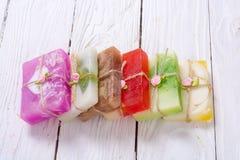 五颜六色的果子手工制造肥皂 图库摄影