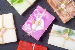 五颜六色的果子手工制造肥皂 库存图片