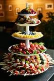 五颜六色的果子金字塔 库存照片