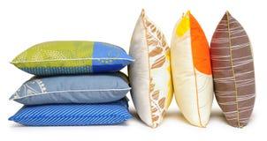 五颜六色的查出的枕头 图库摄影