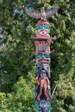 五颜六色的标识杆在温哥华史丹利公园 库存照片