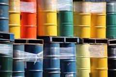 五颜六色的桶 免版税库存图片
