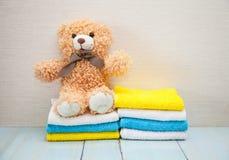 五颜六色的棉花毛巾 免版税库存照片