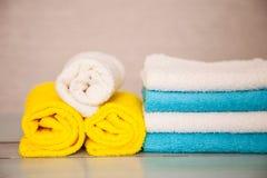 五颜六色的棉花毛巾 库存照片