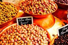 五颜六色的橄榄 库存照片