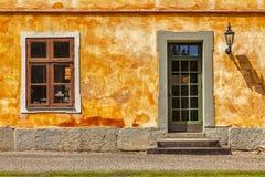 五颜六色的橙色大厦 库存照片