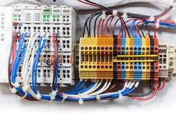 五颜六色的次幂电汇连接数块 免版税库存照片