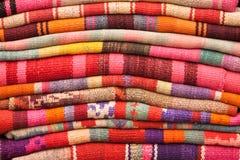 五颜六色的毯子,玻利维亚,南美 库存照片