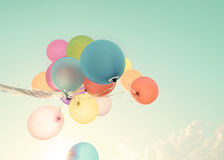 五颜六色的气球在暑假 图库摄影