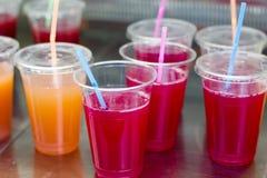 五颜六色的水果的饮料 免版税库存照片