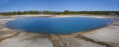五颜六色的池黄石 库存照片