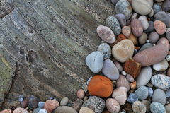五颜六色的海小卵石 库存照片
