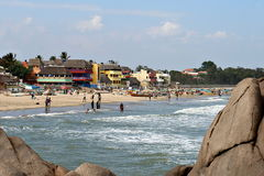 五颜六色的海滨村庄在Mamallapuram,印度 库存图片