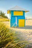 五颜六色的海滩棚子 库存照片