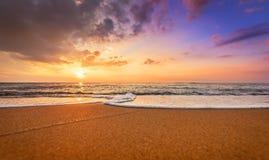 五颜六色的海洋海滩 免版税库存图片